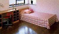 部屋全体を優しく暖めてくれる。床暖房はインテリア性を損ねることもありません。